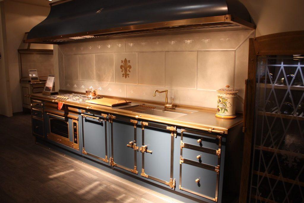 نورپردازی در آشپزخانه کوچک