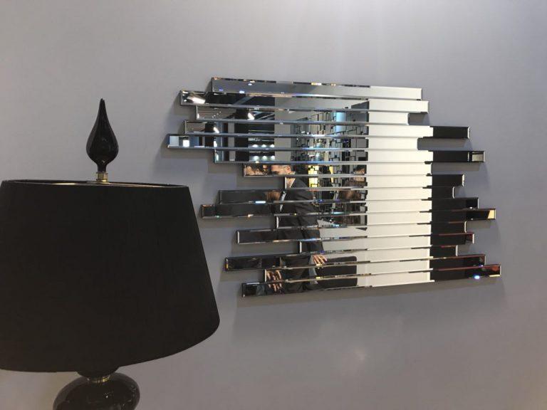MI001-mirror-console