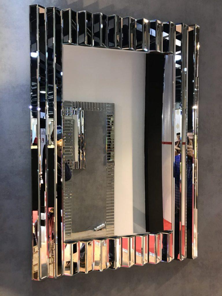 MI002-mirror-console